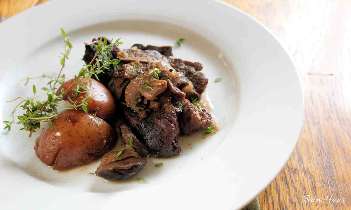 Short Ribs with Wine and Thyme