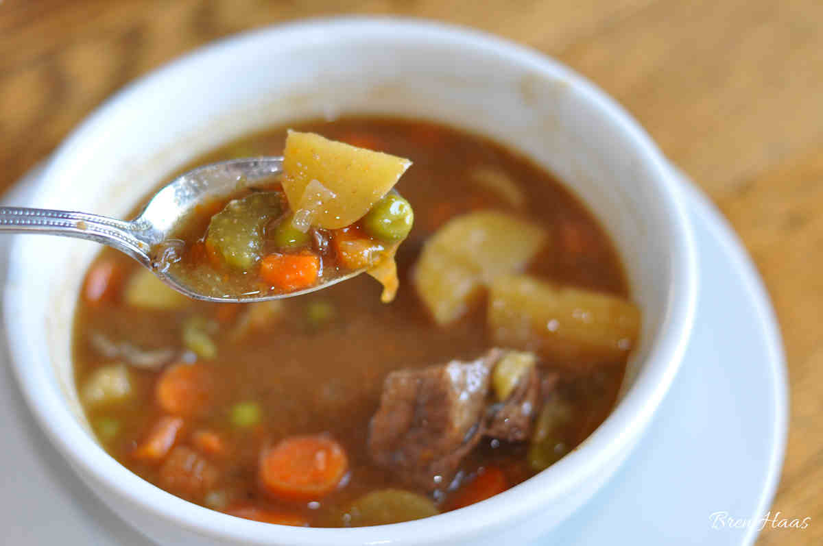 Hearty and Easy to Create Vegetable Beef Stew in Pressure Cooker Recipe