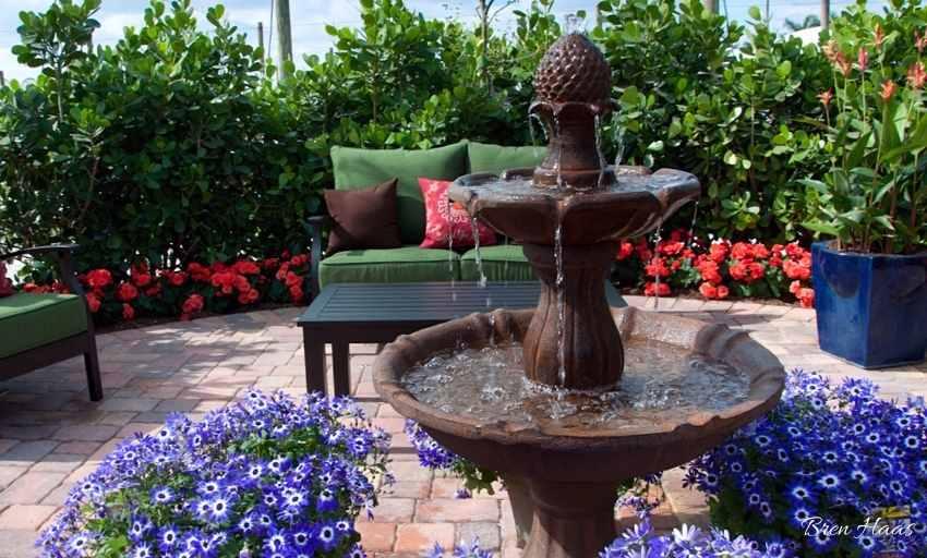 Patio Garden at Costa Farms in Miami